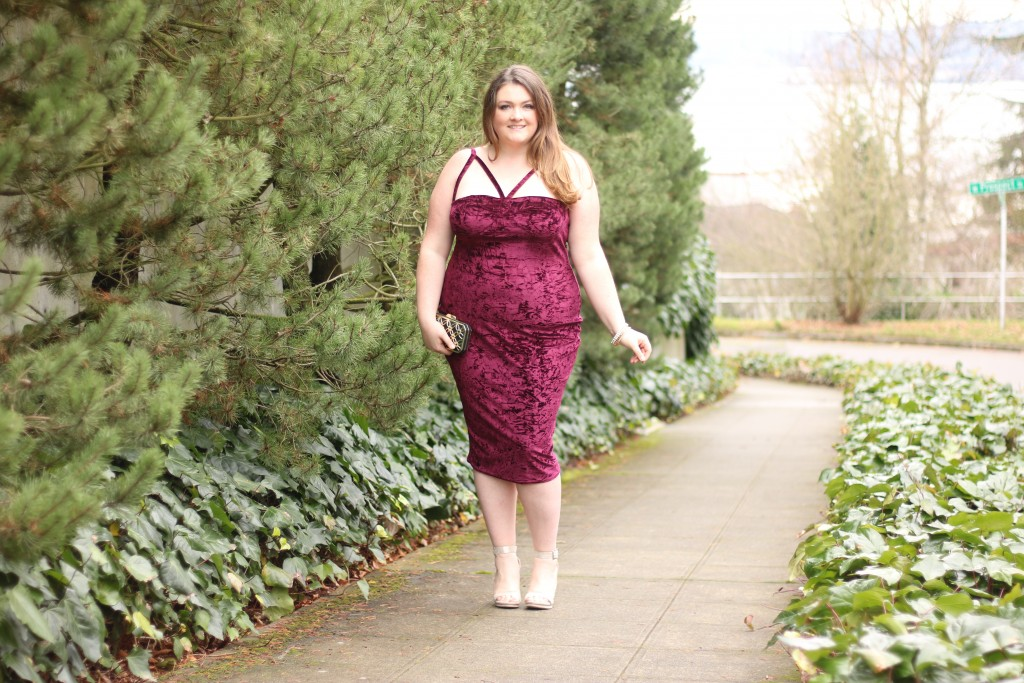 LOVELY IN LA MERLOT PLUS SIZE VELVET DRESS BOOHOO USA