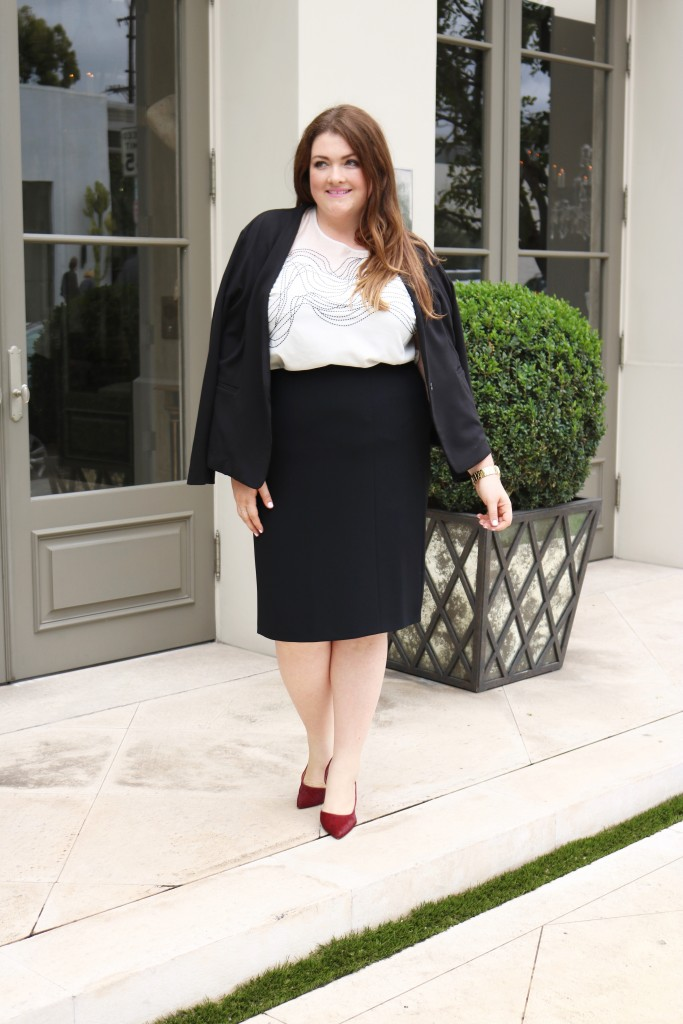 lovely in la plus size subscription box service Plvsh Style plus size blogger