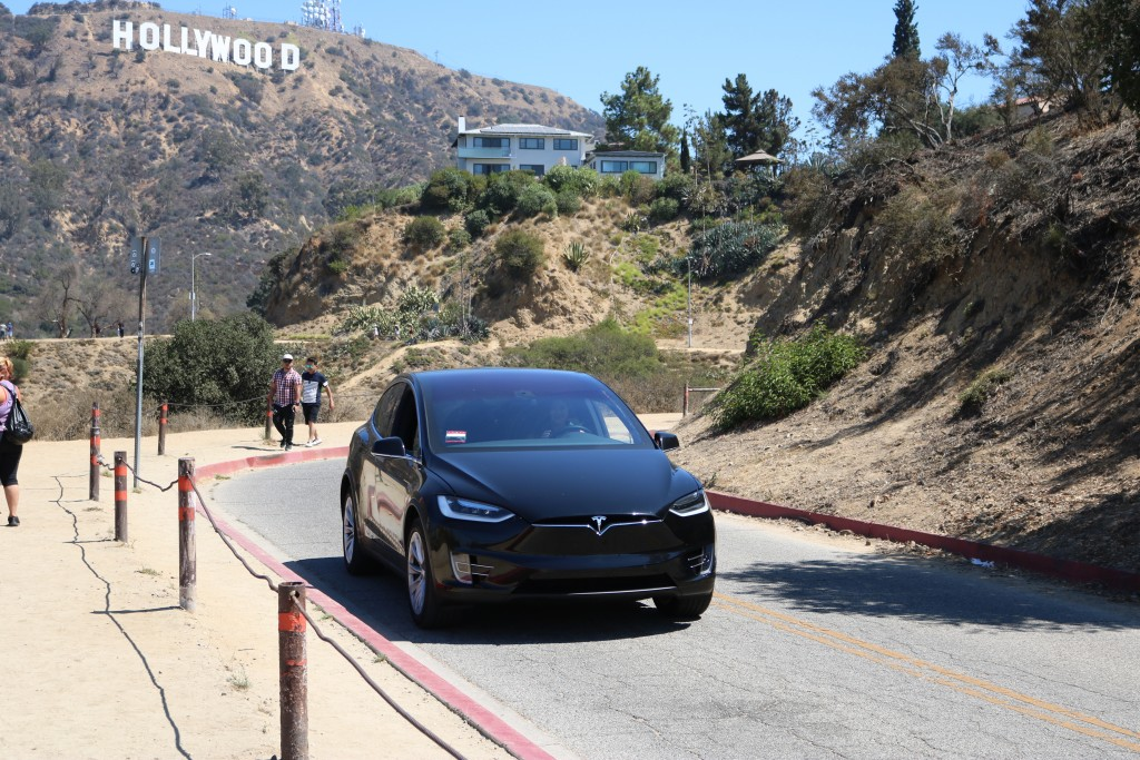lovely in la green commuter tesla model x los angeles indie gogo campaign plus size blogger